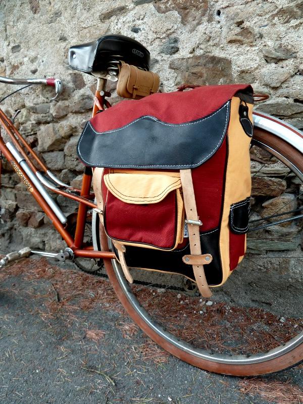 la cyclo sacacycle sacoches v lo artisanales en coton imperm able. Black Bedroom Furniture Sets. Home Design Ideas